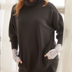 Aerie turtleneck oversized sweatshirt. Size XL